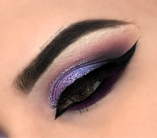 PURPLE CAT EYE LOOK