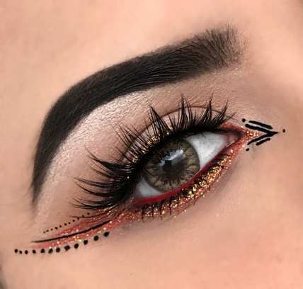 TRIBAL GRAPHIC LINER